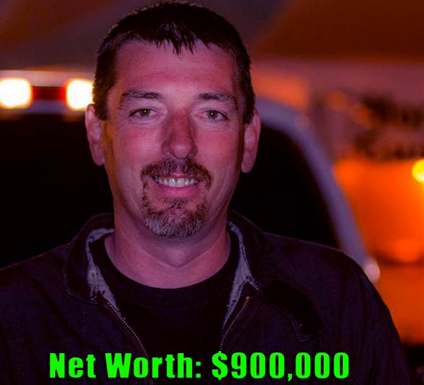 Image of Street Outlaws cast Daddy Dave net worth is $900,000